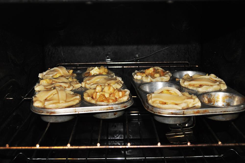 apple3 recipe: mini apple pies