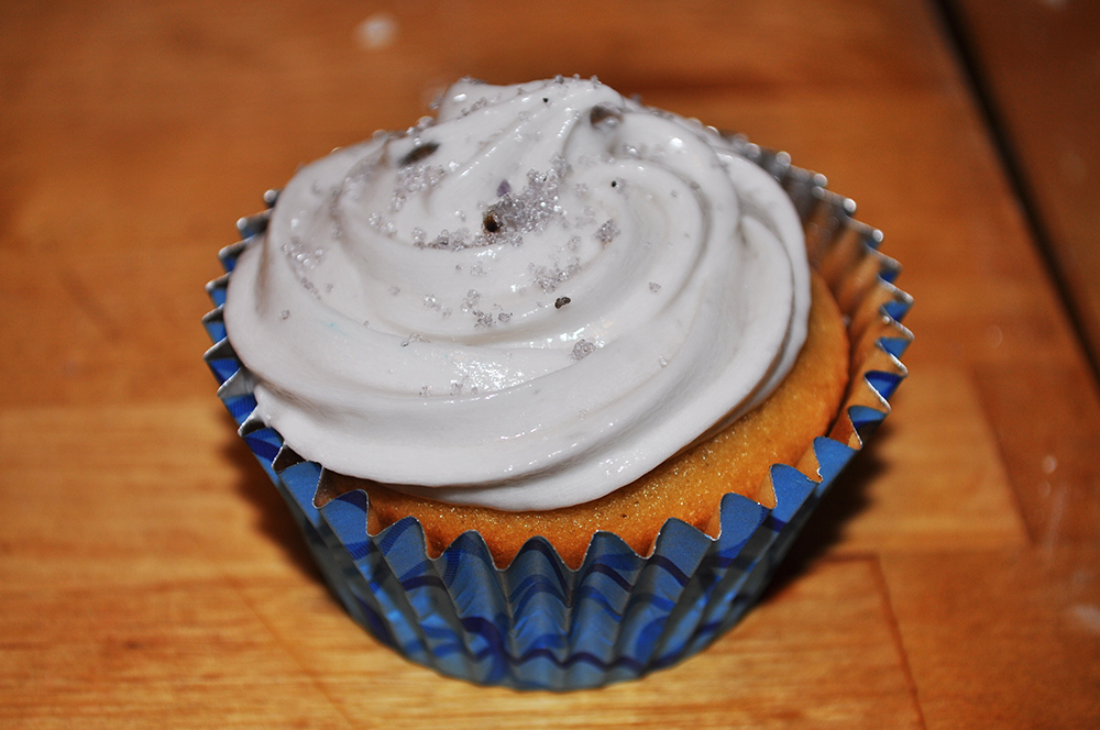 recipe: earl grey cupcakes with lavender frosting - SarahReck.com