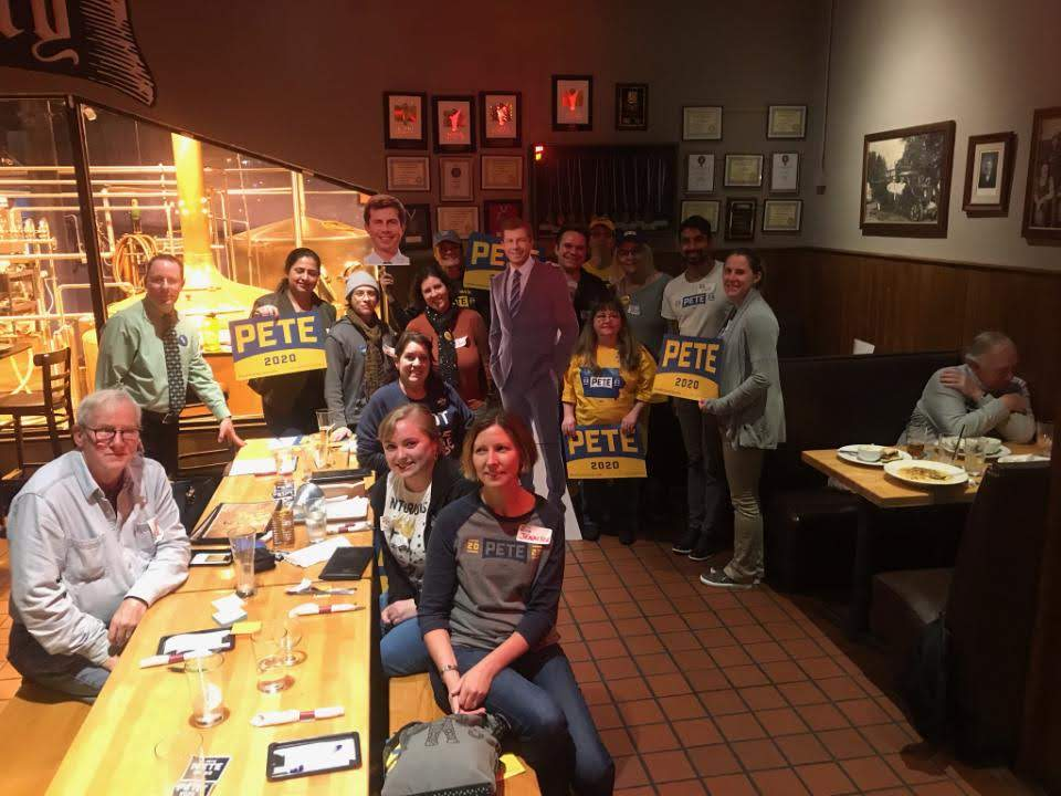 Volunteer organizing meeting in Pittsburgh for Pete Buttigieg for President